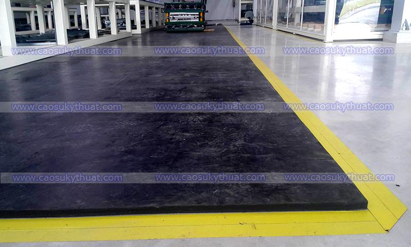 Cao su lót sàn công nghiệp